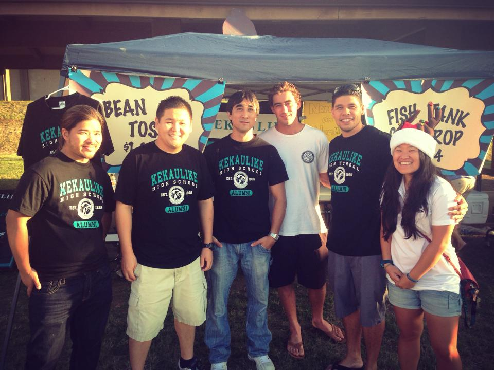 Alumni Association members at the Kekaulike Karnival.  David Quedding - '03, Troy Hashimoto - '05, Joe Wilkinson, David Tanaka - '02, Kalo DeLeon - ' 02, Ronnie Kihara - '03.